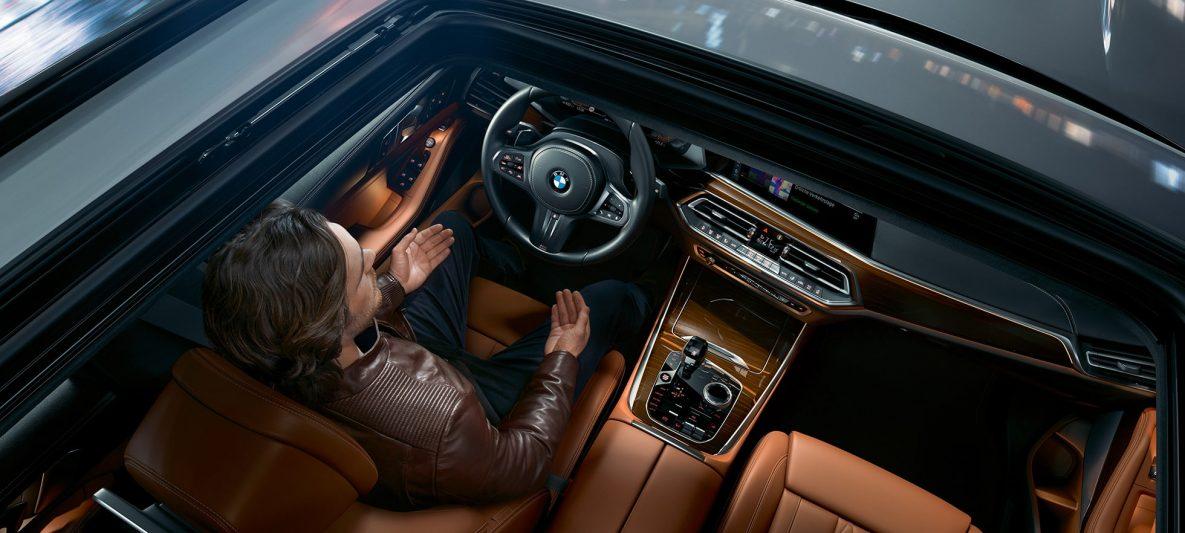 Panorama-Glasdach BMW X5 G05 2018 Mineralweiß metallic